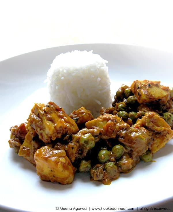 Recipe for Matar Paneer (Paneer with Peas) taken from www.hookedonheat.com. Visit site for detailed recipe.